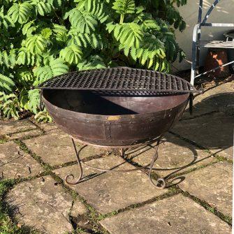 Kadai 50 & BBQ Rack in garden