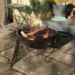 Kadai 50 & BBQ Rack lit in garden