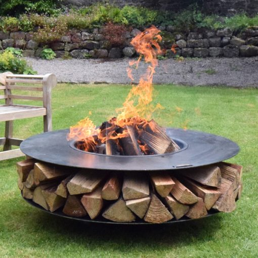 Flat Ring of Logs 120 Lit with Logs Lifestyle - FirepitsUK - WEB - Lo Res