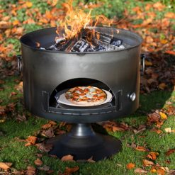 Pete's Oven 70 Fire Pit Lit with Pizza Lifestyle - Firepits UK - WEB - Lo Res