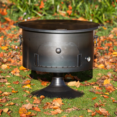 Pete's Oven 70 Fire Pit with Lid Lifestyle - Firepits UK - WEB - Lo Res