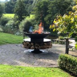Ring of Logs 90 Fire Pit Lit Lifestyle - Firepits UK - WEB - Lo Res